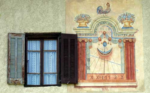 wall sundial